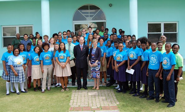 Prince Edward, Earl of Wessex and his wife Sophie, Countess of Wessex is currently making an official visit to Bahama Islands. Prince Edward and Countess of Wessex visited various educational institutions within the scope of scholarship program