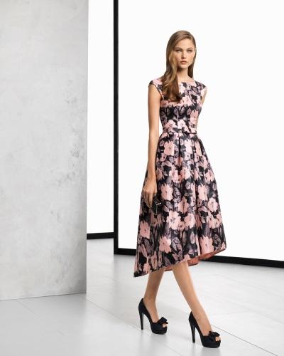 vestido de cóctel rosa clará