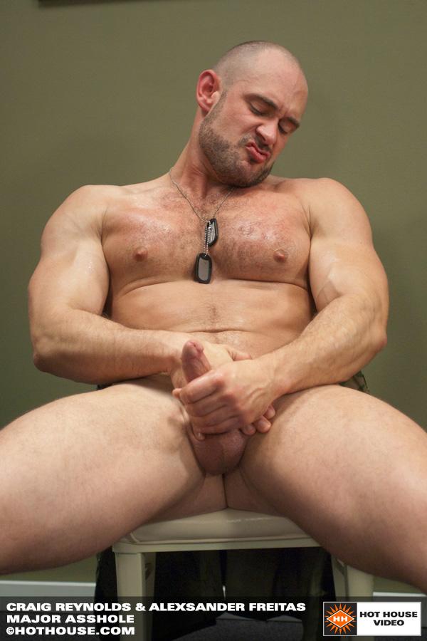 Alexsander Freitas & Craig Reynolds sexo entre militares peludos e musculosos 3