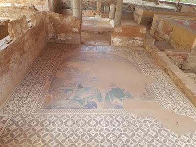 Mosaico de la casa del Mitreo
