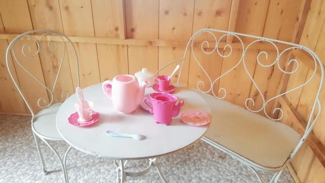 salon-de-jardin-the-anglais-fer-forge-pour enfant