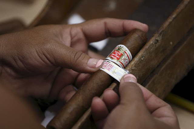 Long-ash Contest 2016 Cuban Cigar Habanos Festival Lights up in Havana (Photos)