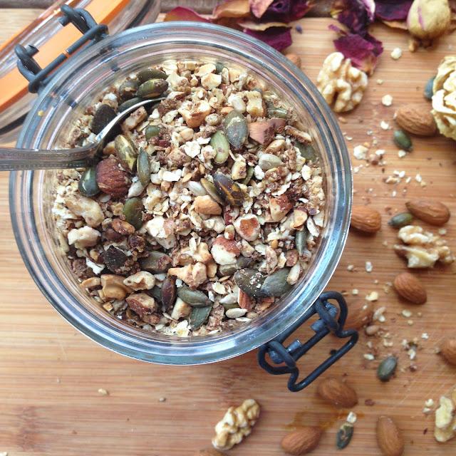 Cinnamon-Almond-Granola-refined-sugar-free-recipe