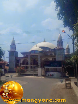 Mesjid Di Desa Citrajaya, Megah ya. Poto Jepretan kang Ian Susanto - Facebooker Subang ( FBS )