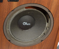 Speaker with rotted foam surrounds