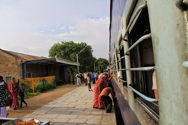 Camino al Monumento al Amor Eterno: Bitrix-Agra-India 2011 - Sabíamos a los que nos arriesgábamos - Beatriz Tello