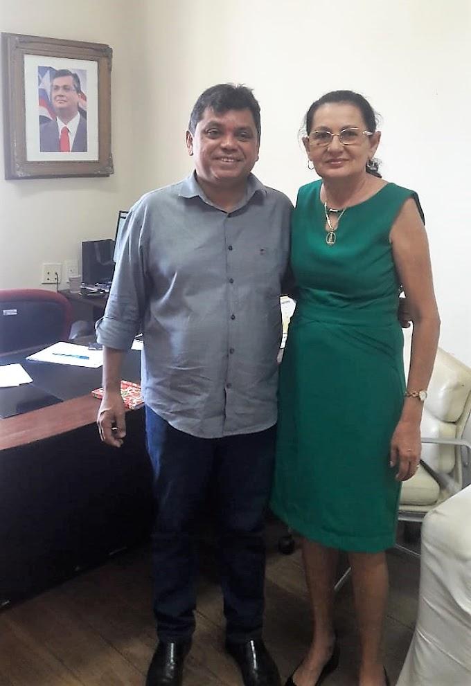 Professora Vera Reivindica Asfalto para os Bairros Novo Castelo, Recanto dos Pássaros e Santa Luzia