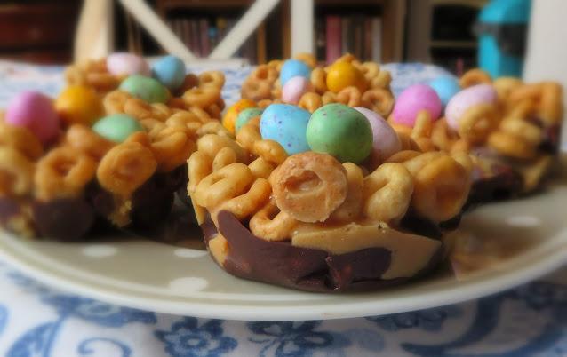 Chocolate & Peanutbutter Cheerio Cups