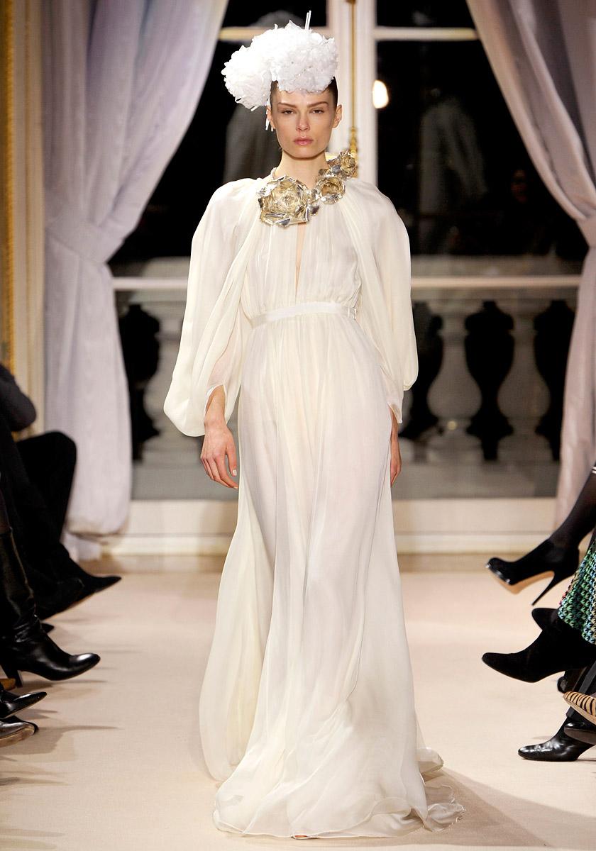 ANDREA JANKE Finest Accessories: Haute Couture  Romanticism by