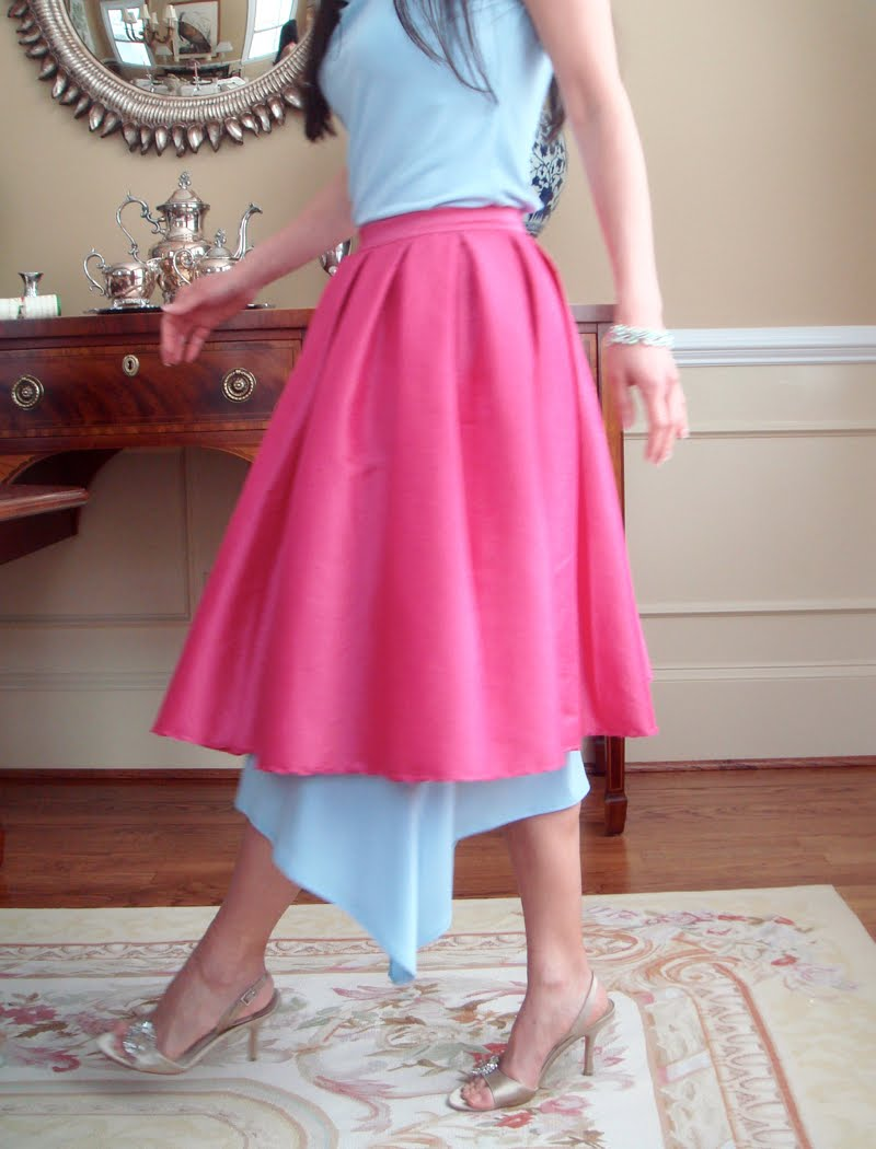 How to Wear a Skirt Over a Skirt - turned sideways walking.