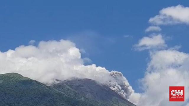 Gunung Gamalama di Ternate Erupsi, Tiga Kecamatan Terdampak