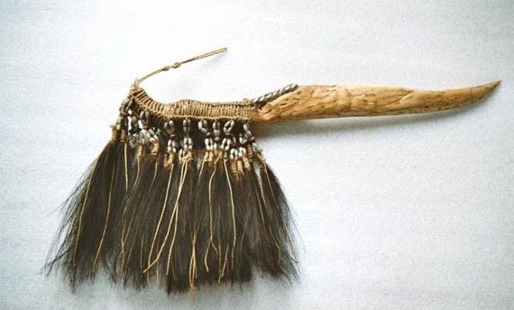 Senjata Tradisional Pisau Belati berasal dari Papua