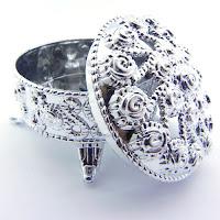 gümüş rengi antik nikah şekeri kutusu