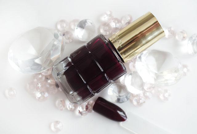 L'Oréal Color Riche Le Vernis Öl-Nagellack 556 Grenat irreverent