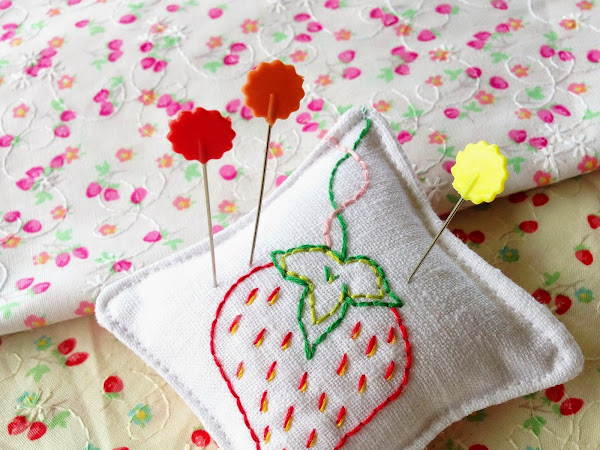 Strawberry Stitches Pincushion {Tutorial}