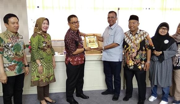 DPRD Lampung Menerima Kunjungan Kerja Badan Anggaran DPRD DKI Jakarta