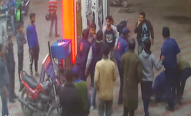 Dabang youth lashes out with petrol workers and looted cash