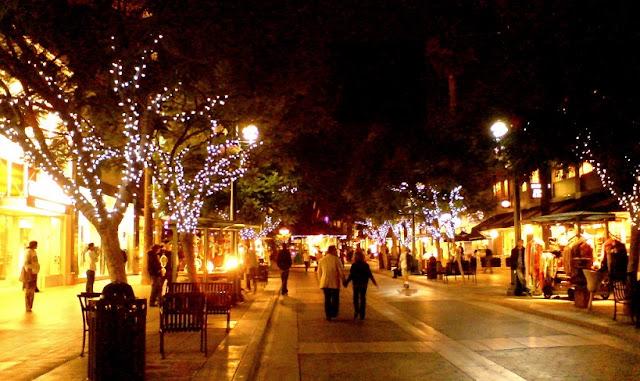 Passeio pela Third Street Promenade em Santa Mônica