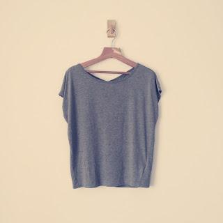 Tシャツ グレー  シンプル gap
