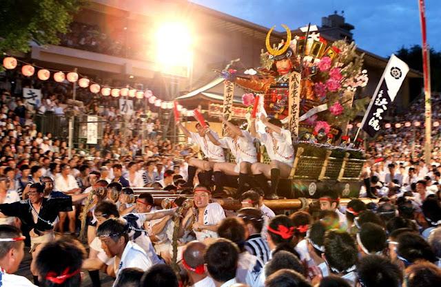 Hakata Gion Yamagasa (parade, dance and music), Fukuoka Pref.