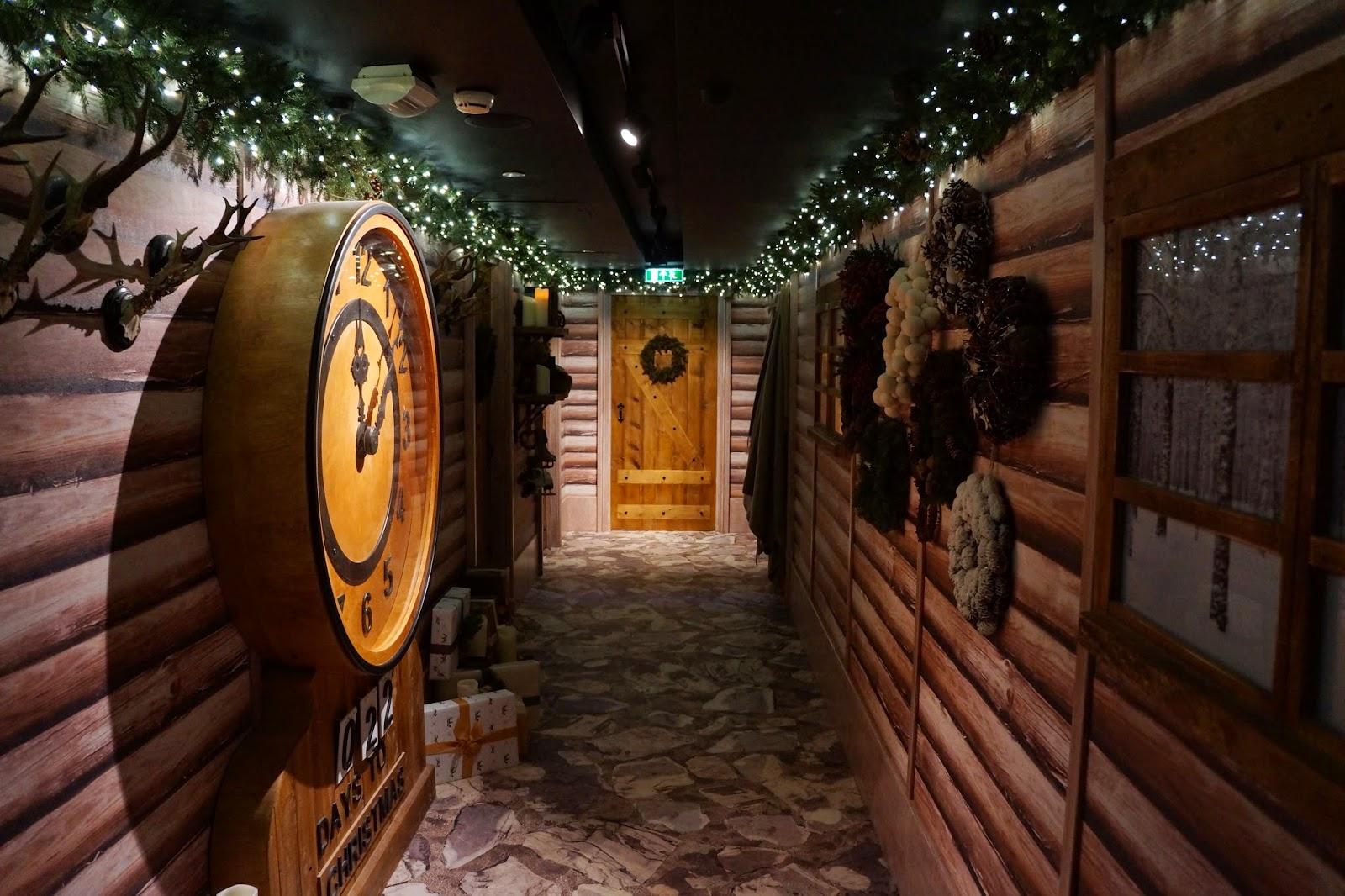 harrods christmas santa's grotto 2014 clock