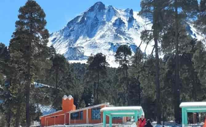Turismo, nieve, invierno, navidad