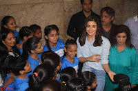 Alia Bhatt in Denim and jeans with NGO Kids 09.JPG