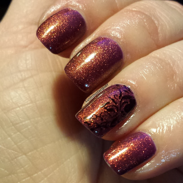 Color-shifting-nail-polish-with-accent-nail