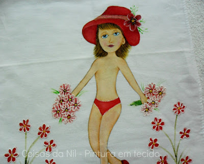 pintura em tecido boneca com chapeu e calcinha vermelha para colocar vestido de croche