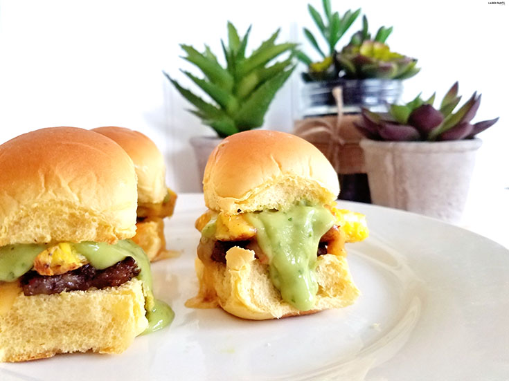 Breakfast made simple and delicious! Try this super amazing Stuffed Slider recipe and make your family (and your tummy) happy! #ReadytoRoll