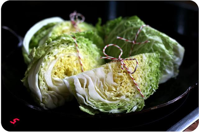 Geschmorter Wirsing mit geröstetem Fenchelsamen und mit Käse überbacken | Arthurs Tochter kocht. Der Blog für Food, Wine, Travel & Love