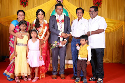 Kumudam-Chitramani-Son-Girirajan-Wedding-Reception-Photos-14
