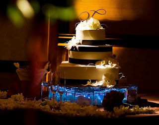 Perfect Lighted Wedding Cake Stands