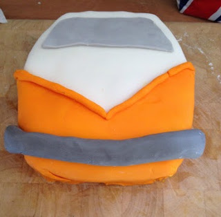 making a campervan cake