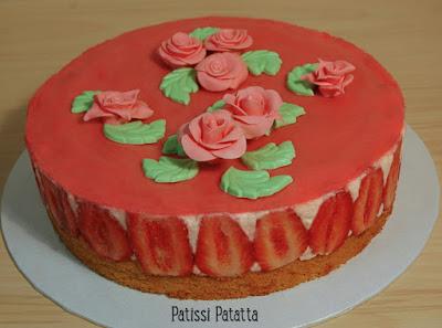 gâteau fête des mères, fraisier, fraises, décoration pâte à sucre, patissi-patatta