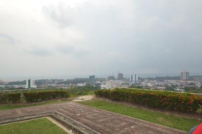 Melihat Miri dari Atas Canada Hill, Sarawak