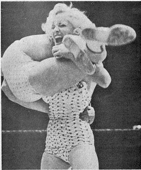 Womens Pro Wrestling Vintage Womens Wrestling-3147
