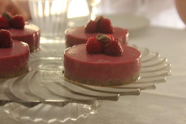 https://cuillereetsaladier.blogspot.com/2015/07/bavarois-framboise-base-pistache-sans.html
