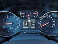Opel Grandland X - panel wskaźników