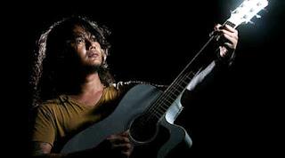 Download Chord Lagu & Kunci Gitar Budi Cilok – Bukan Butiran Debu