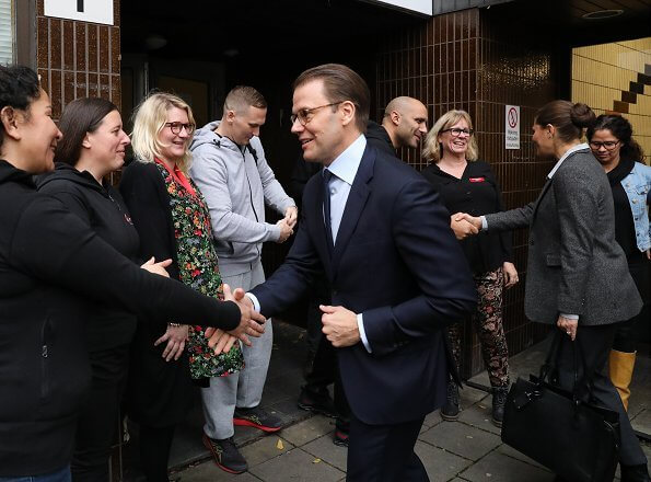 Crown Princess Victoria wore a chela-blazer and brite trousers by Tiger of Sweden. J Lindeberg pantsuit. Longchamp large tote bag