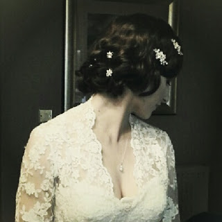 Vintage bridal hair on a Scottish bride
