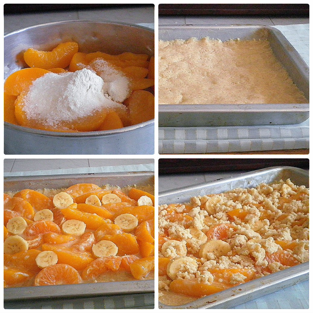 Peach Crumb Slab Pie  @ https://treatntrick.blogspot.com