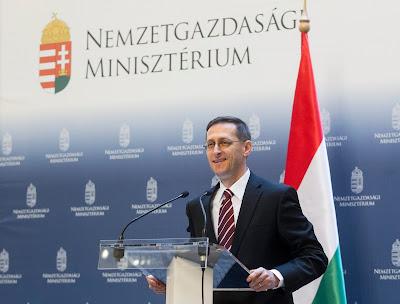 gazdaság, Magyarország, IMF-hitel, EU-hitel, Varga Mihály. Nemzetgazdasági Minisztérium, Christine Lagarde, Nemzetközi Valutaalap