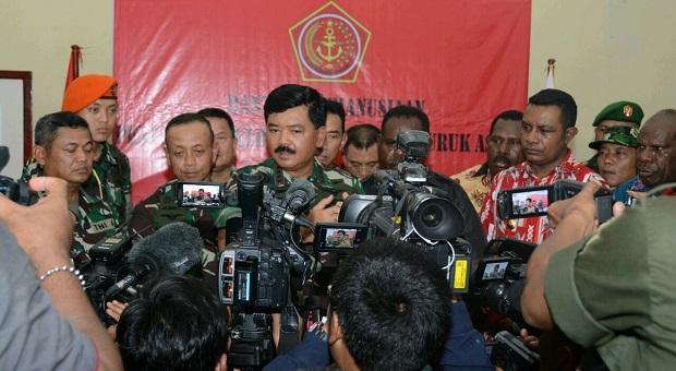Satgaskes TNI Vaksinasi 13.336 Anak di Asmat