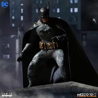 "Abierto el Pre-order de Batman ""Ascending Knight"" - Mezco"