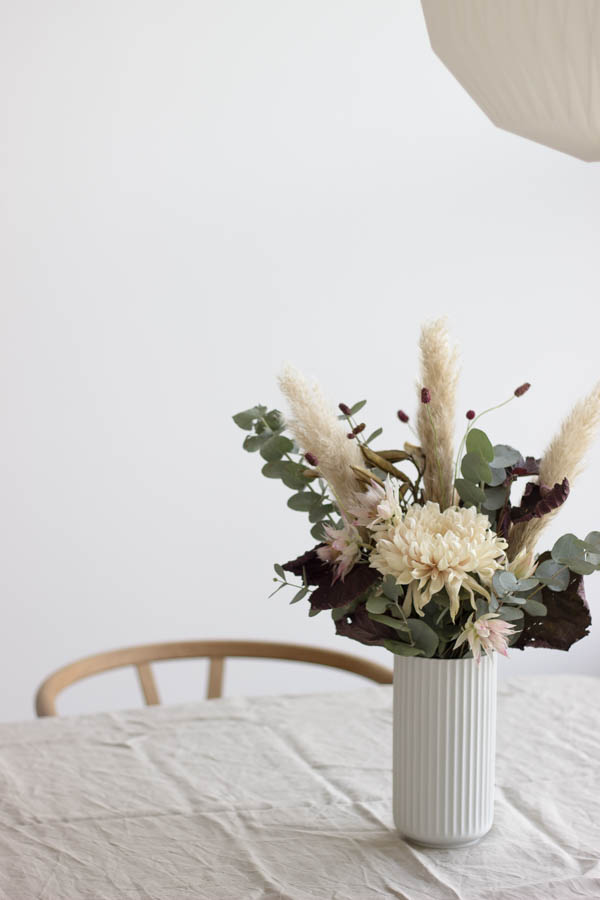 Friday flowers via Scandinavian Love Song