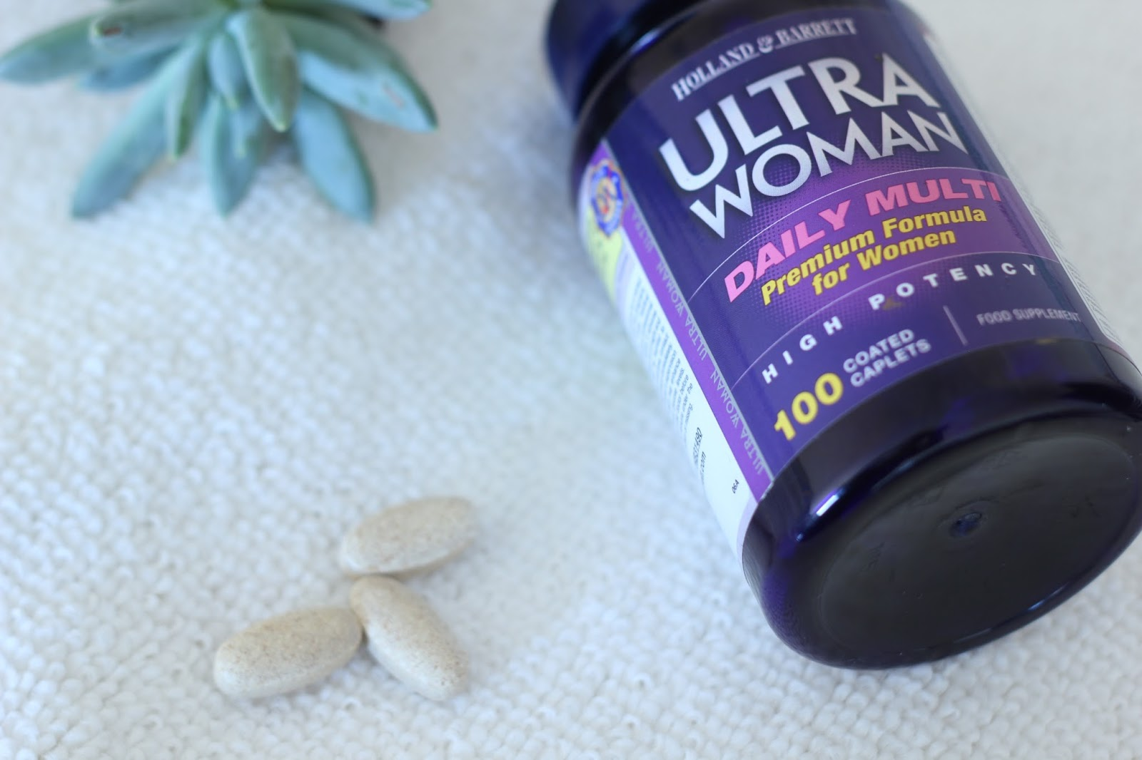 Picture of vitamin tablets or caplets for women