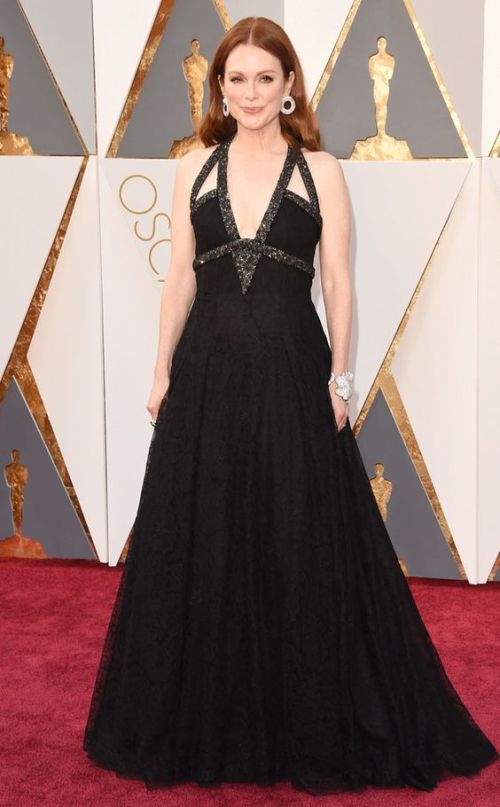 Julianne Moore in a black Chanel gown at the Oscars 2016