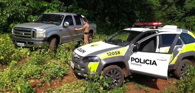 Iretama: PM recupera caminhonete roubada, carregada de mercadorias